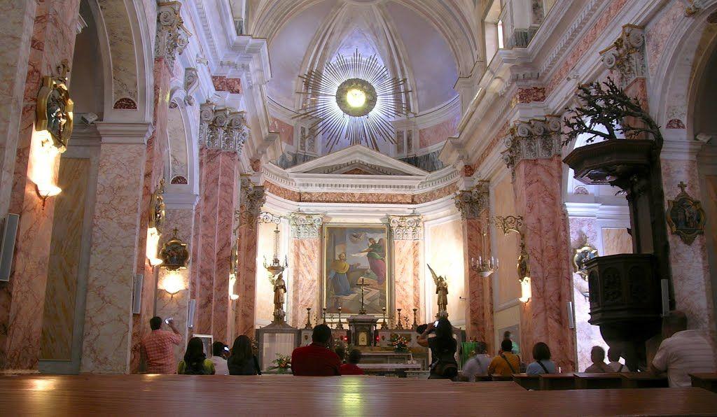 Low Budget Catholic tour, 8 days | Israel travel, Tours ...