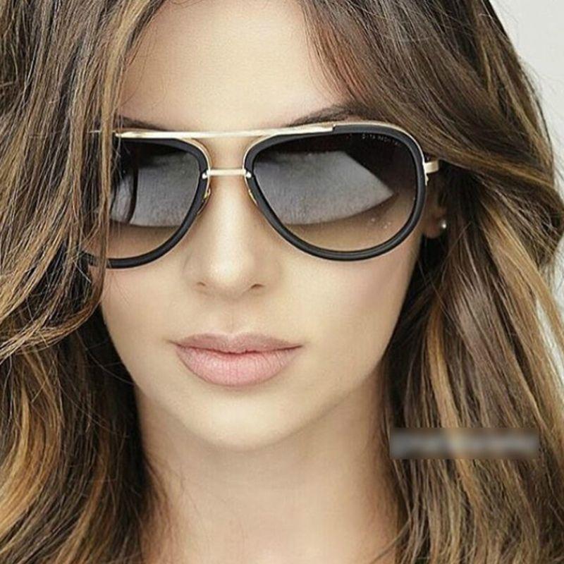 84a879b8b039e Óculos de Sol da moda Óculos de Sol Das Mulheres 2017 Marca de Luxo Designer  Para Senhoras Revestimento UV400 Lente Espelho Do Vintage Feminino Oculos