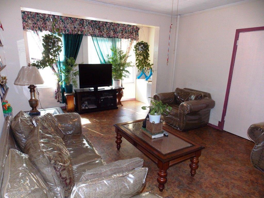 the living room bronx nyc. parkchester, bronx, ny - living room the bronx nyc i