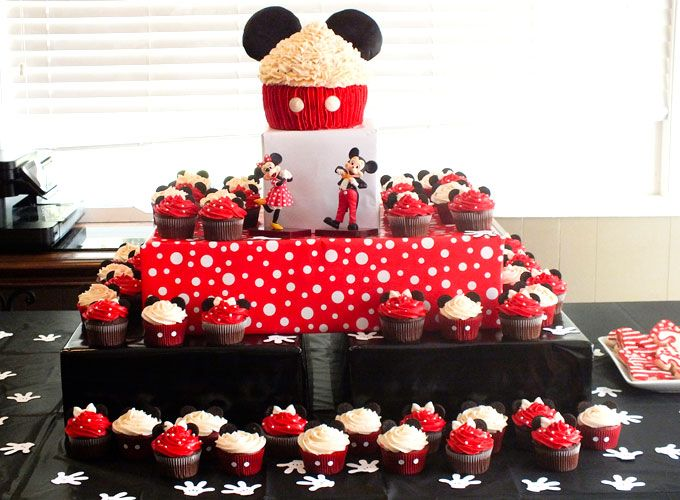 Mickey Amp Minnie Mouse Cupcakes Delicious Yum Yum
