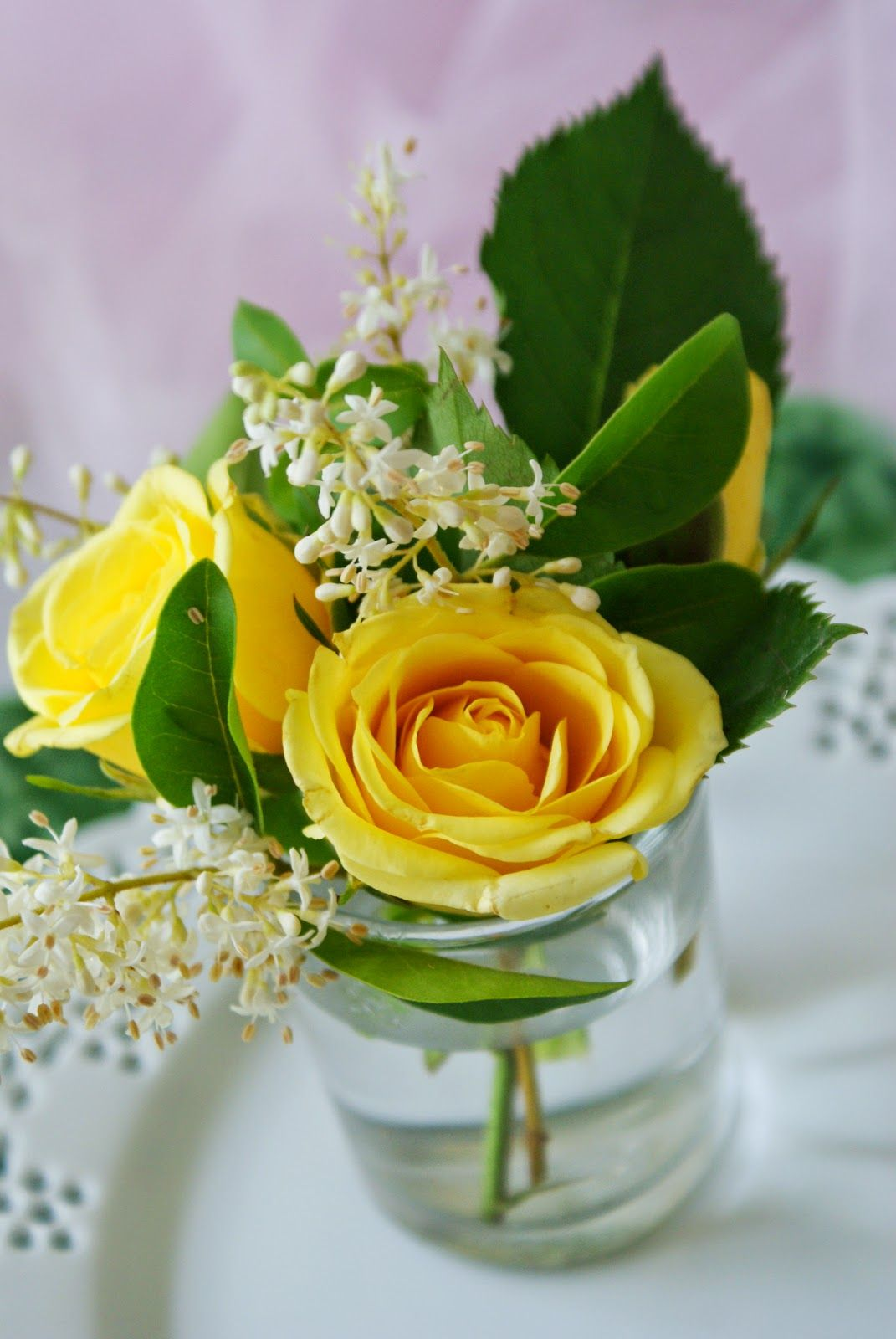 Yellow Roses Floral Arrangement Flower Arrangements Pinterest