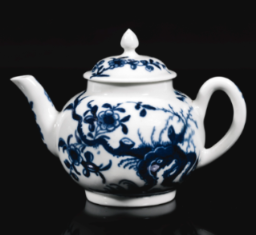 A GOOD WORCESTER BLUE AND WHITE MINIATURE TEAPOT AND COVER, CIRCA 1765