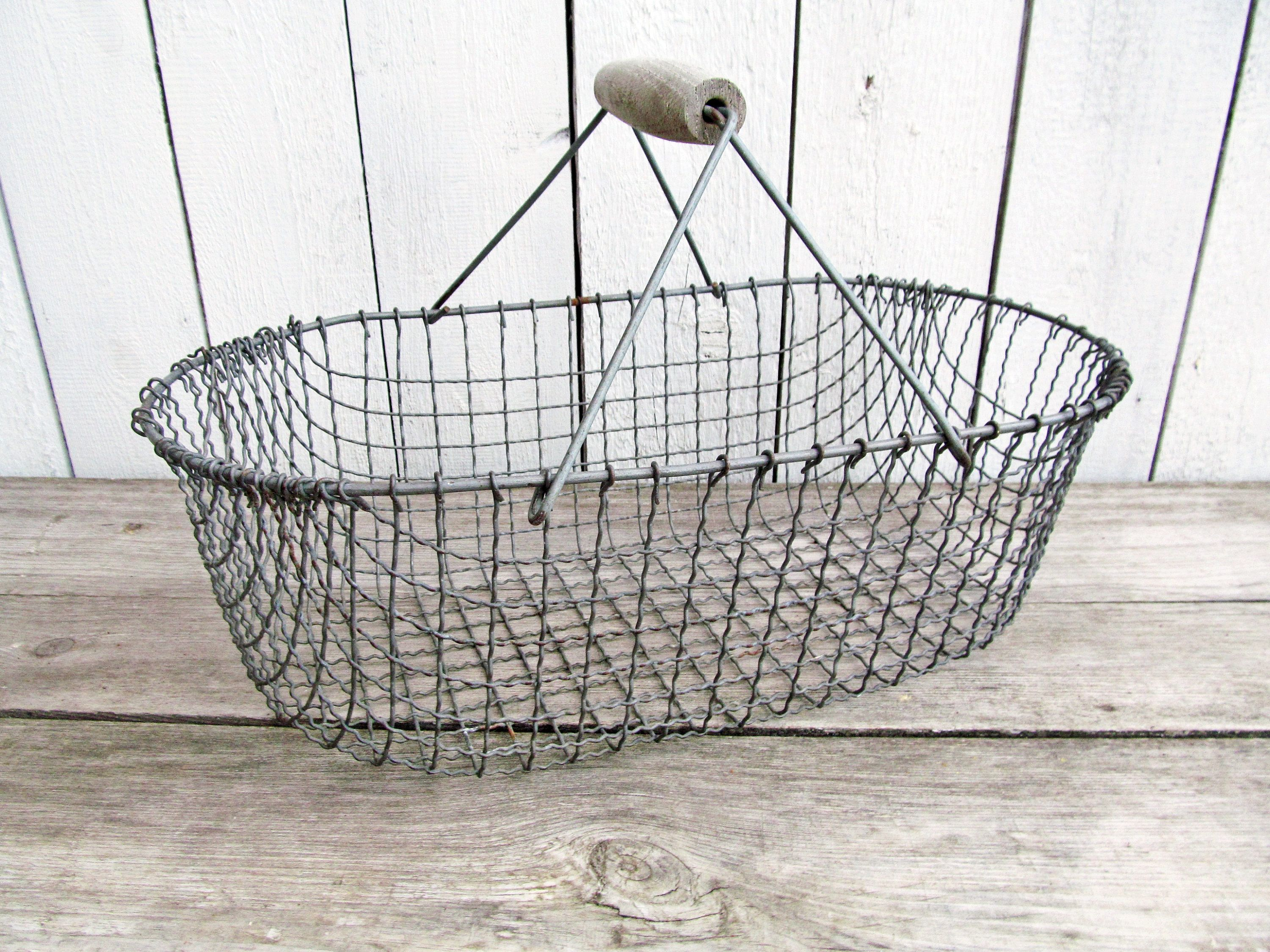 Metal Wire Basket with beautiful patina Farmhouse Industrial ...
