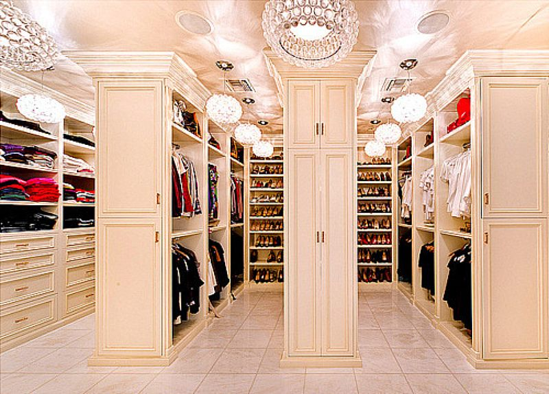 3 Easy Steps To Improve Your Closet Situation