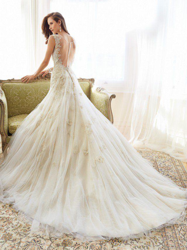 25 beautiful designer wedding dresses wedding dress weddings and 25 beautiful designer wedding dresses junglespirit Image collections