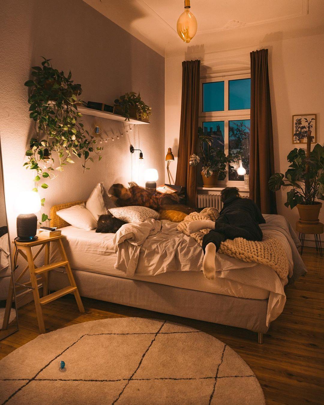 Ästhetisches schlafzimmerBild von fridlaa auf Plantlover