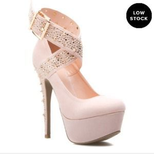 Shoedazzle Shoes - *Wanted* Shoe dazzle cassy pink or black heels