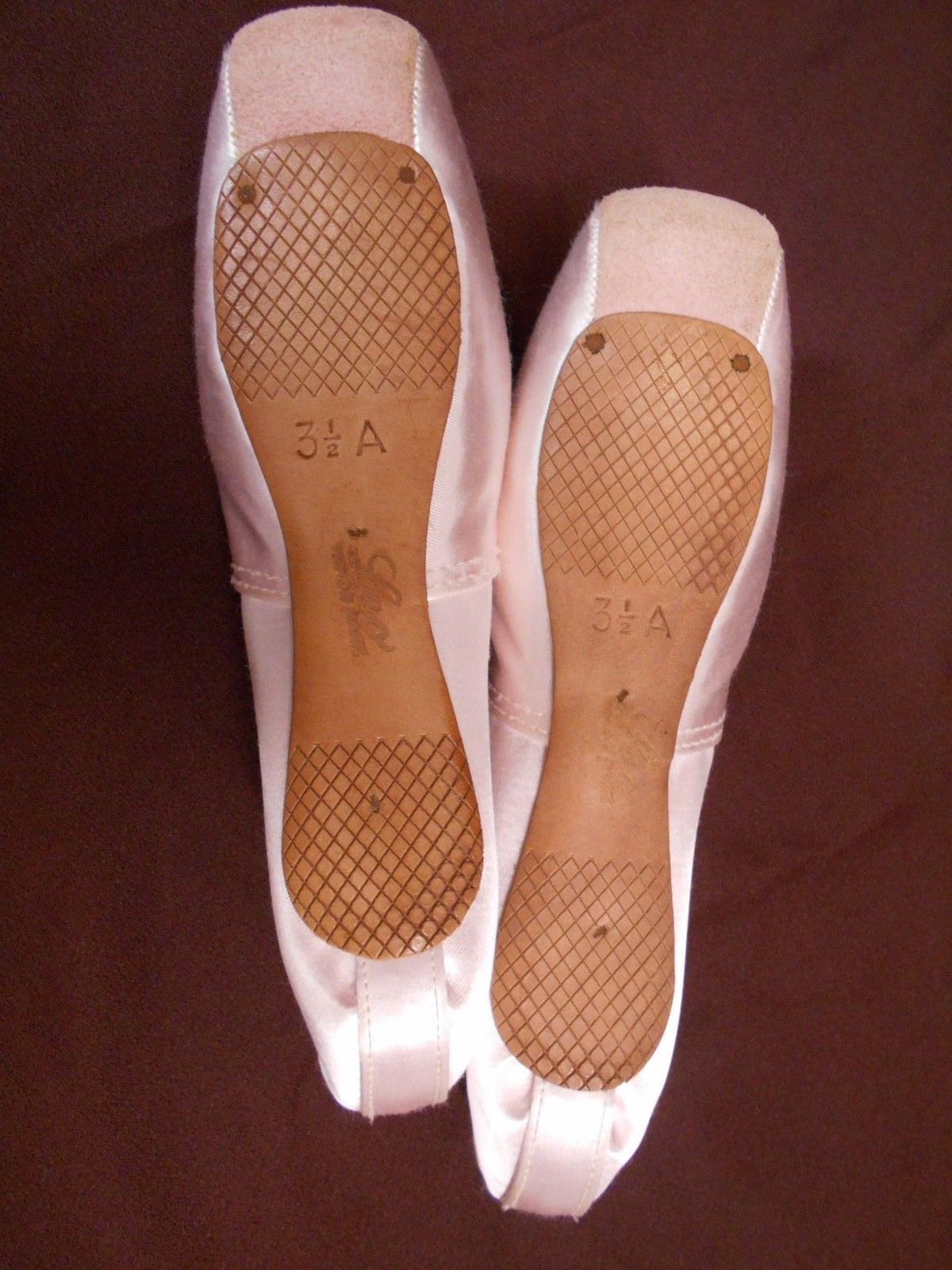 Vintage Leo's Pointe Shoes with suede tips.