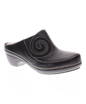 L'Artiste by Spring Step Black Vanessa Leather Clog by L'Artiste by Spring Step #zulily #zulilyfinds
