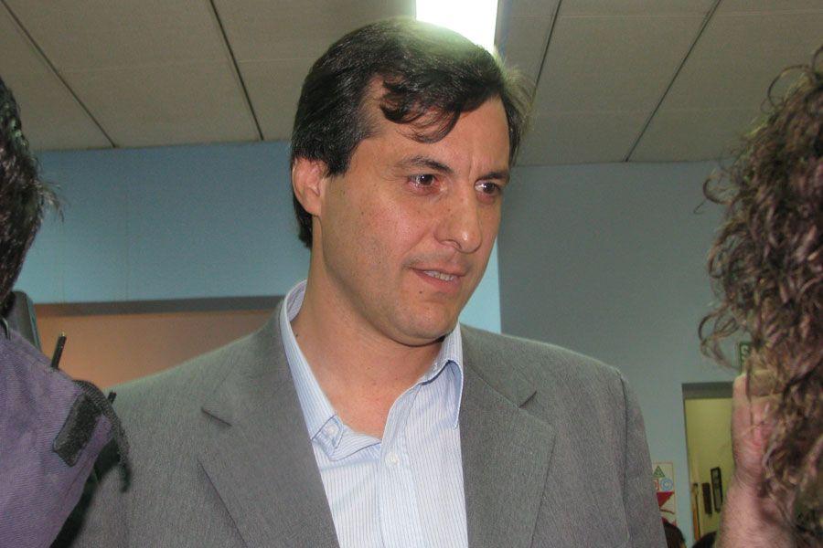 """""""En Chubut Somos Todos compartimos un proyecto y en el Frente Peronista sólo se pelean por las candidaturas"""" http://www.ambitosur.com.ar/en-chubut-somos-todos-compartimos-un-proyecto-y-en-el-frente-peronista-solo-se-pelean-por-las-candidaturas/ El concejal y precandidato a intendente de Rawson, Adrián Awstin, valoró la construcción política realizada desde el espacio Chubut Somos Todos en la capital provincial y advirtió que """"esto demuestra que acá lo que hay es"""