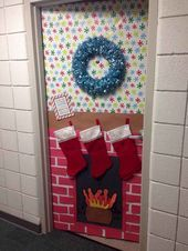 50 Simple DIY Christmas Door Decorations For Home And School (1) - LivingMarch.com - #christmas #decorations #livingmarch #school #simple - #new #christmasdoordecorationsforschool