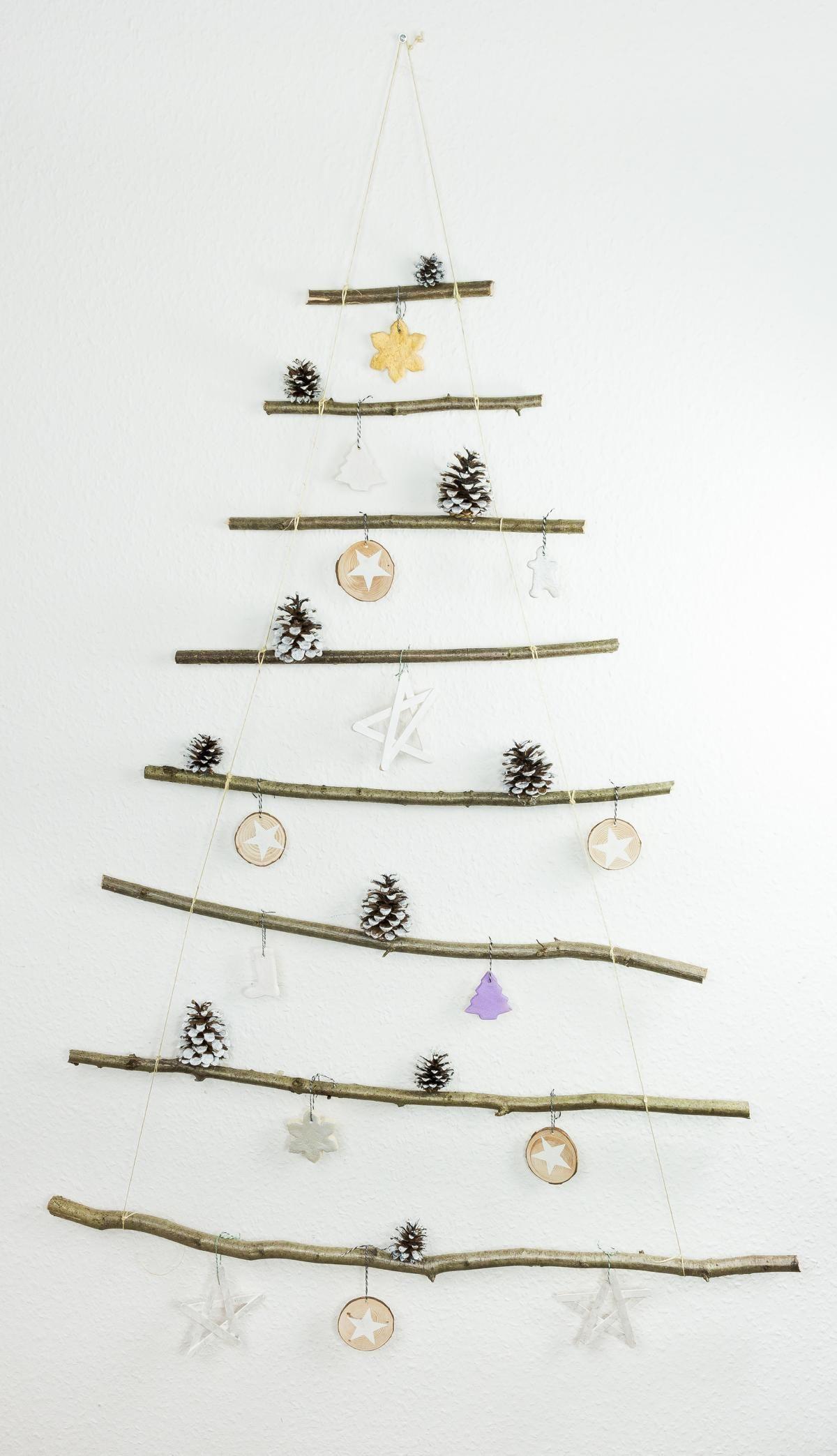 Aus ästen Basteln diy weihnachtsbaum aus ästen basteln einfach und günstig