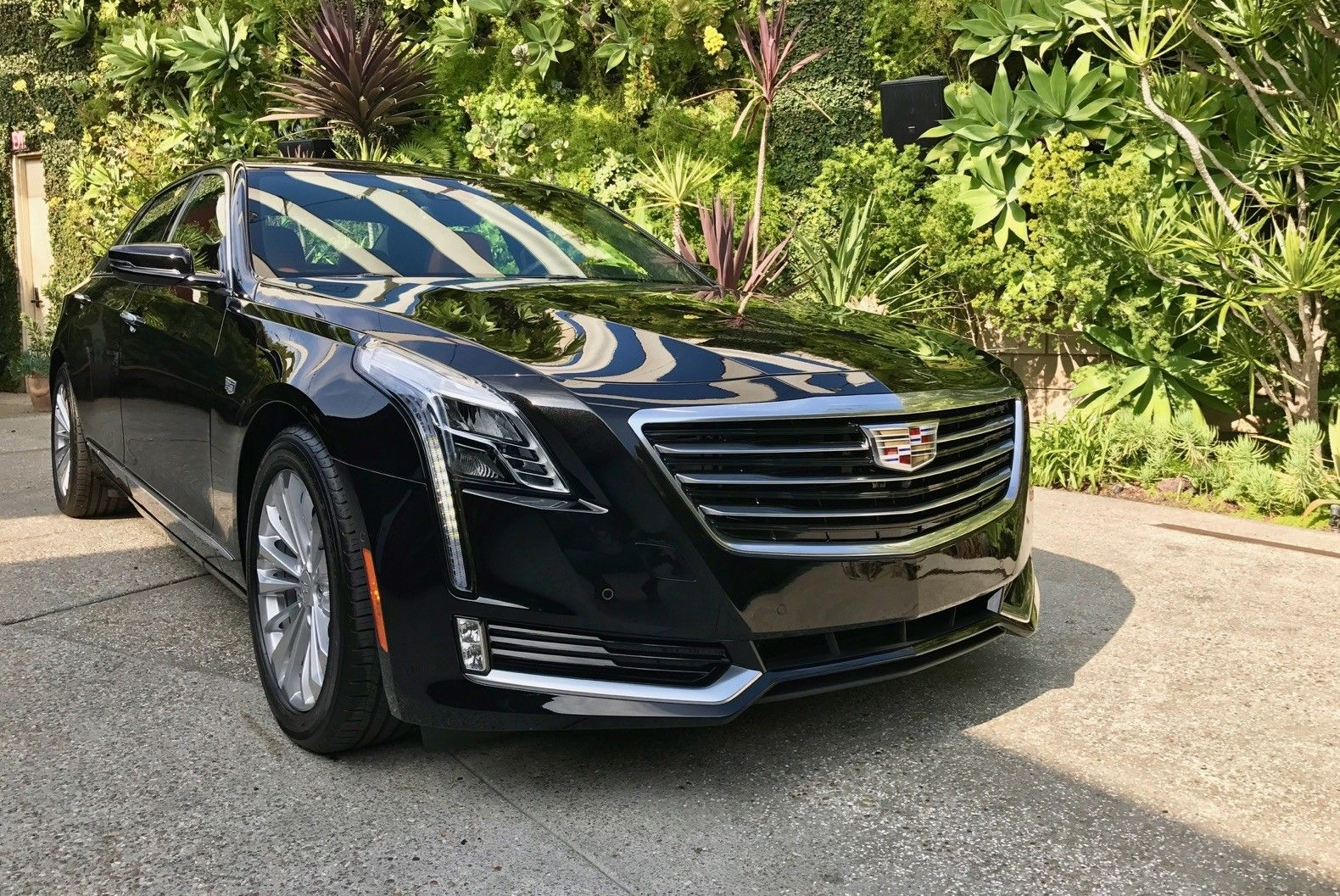 The 2018 Cadillac Ct6 Plug In Hybrid Release Date And Specs Review