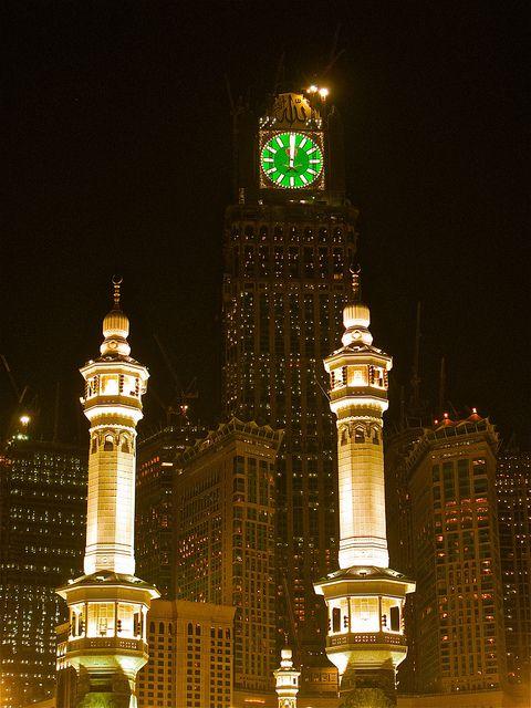 Makkah Clock Tower Saudi Arabia The Place Where Everyone Goes Grocery Shopping At Night 3 Foto Diri Sendiri Pendiri