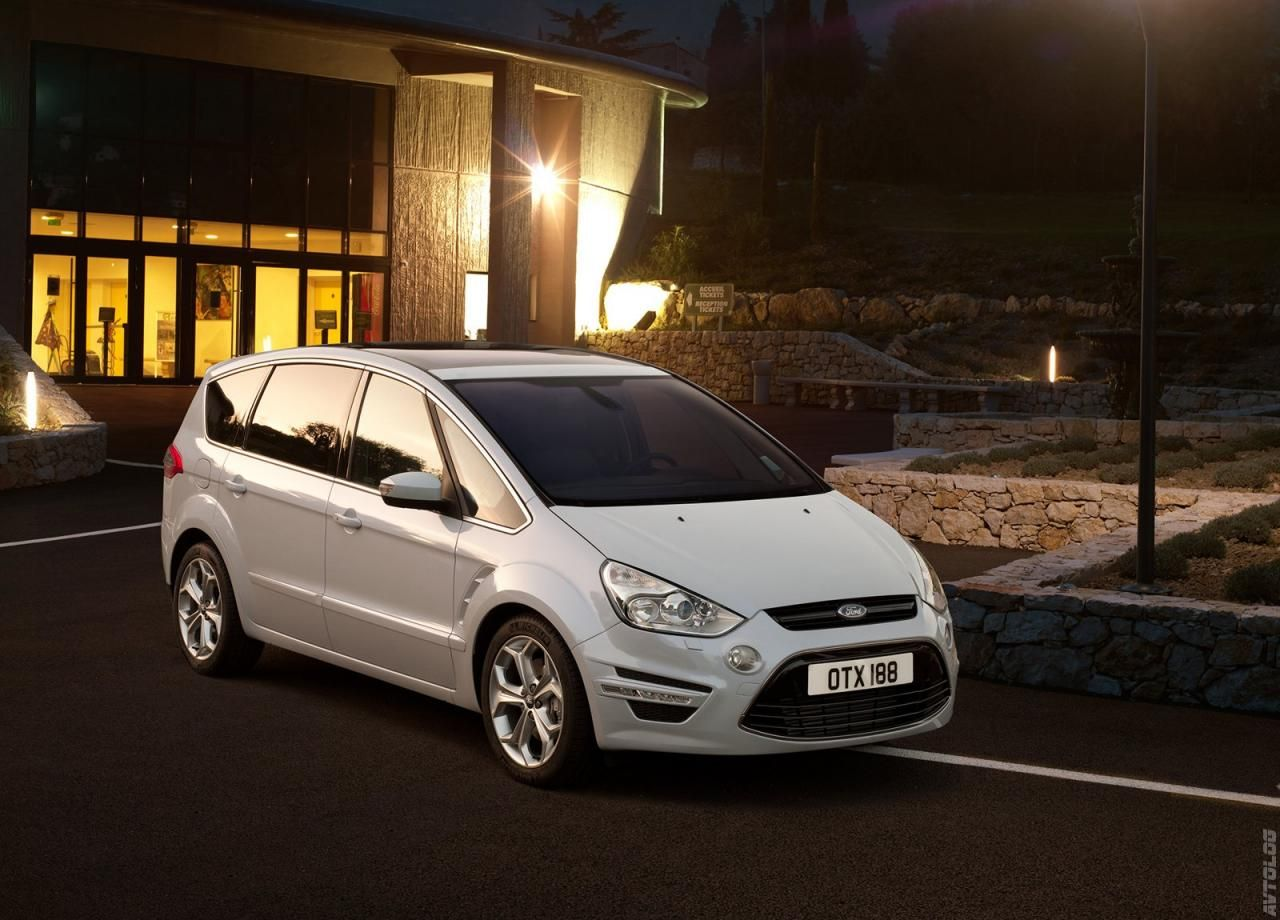 2011 ford s max