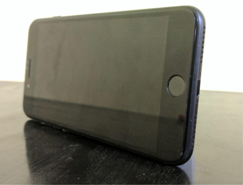 IPhone 7 Plus Port And Speakers