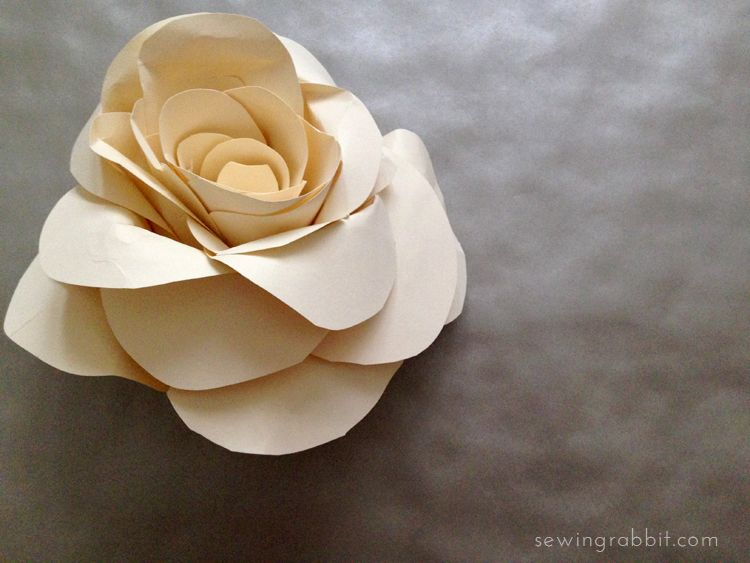 Paper rose diy diy paper rose and craft i am attending a wedding this evening and in the midst of preparation started fiddling around with some paper flowers i love the way these paper roses mightylinksfo