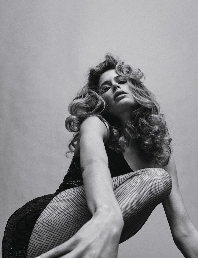 Doutzen Kroes Enchants in Black and White for Vogue Poland #editorialfashion