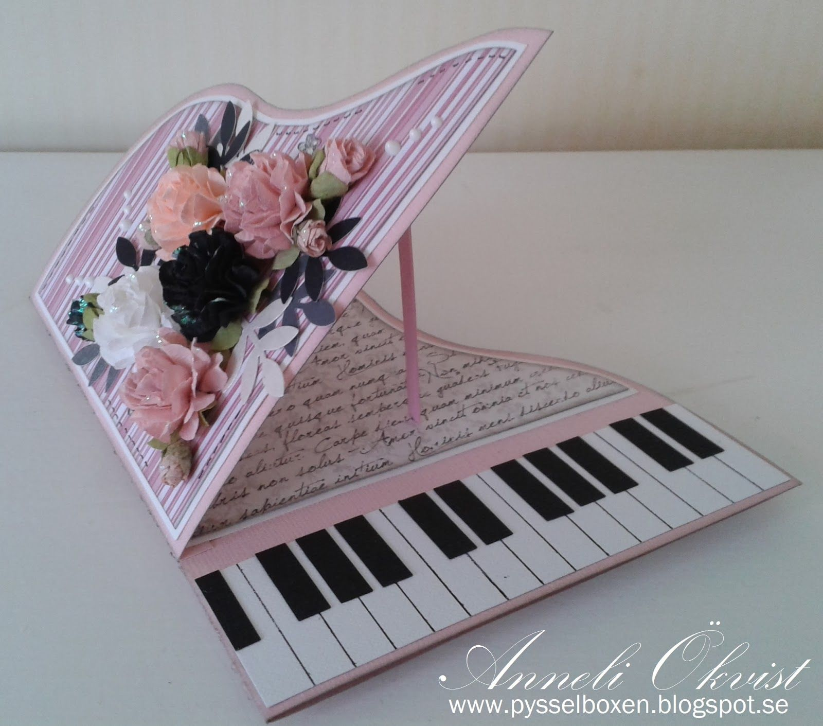 A Piano Card In Pink Annelis Pysselbox Cards Pinterest Pianos
