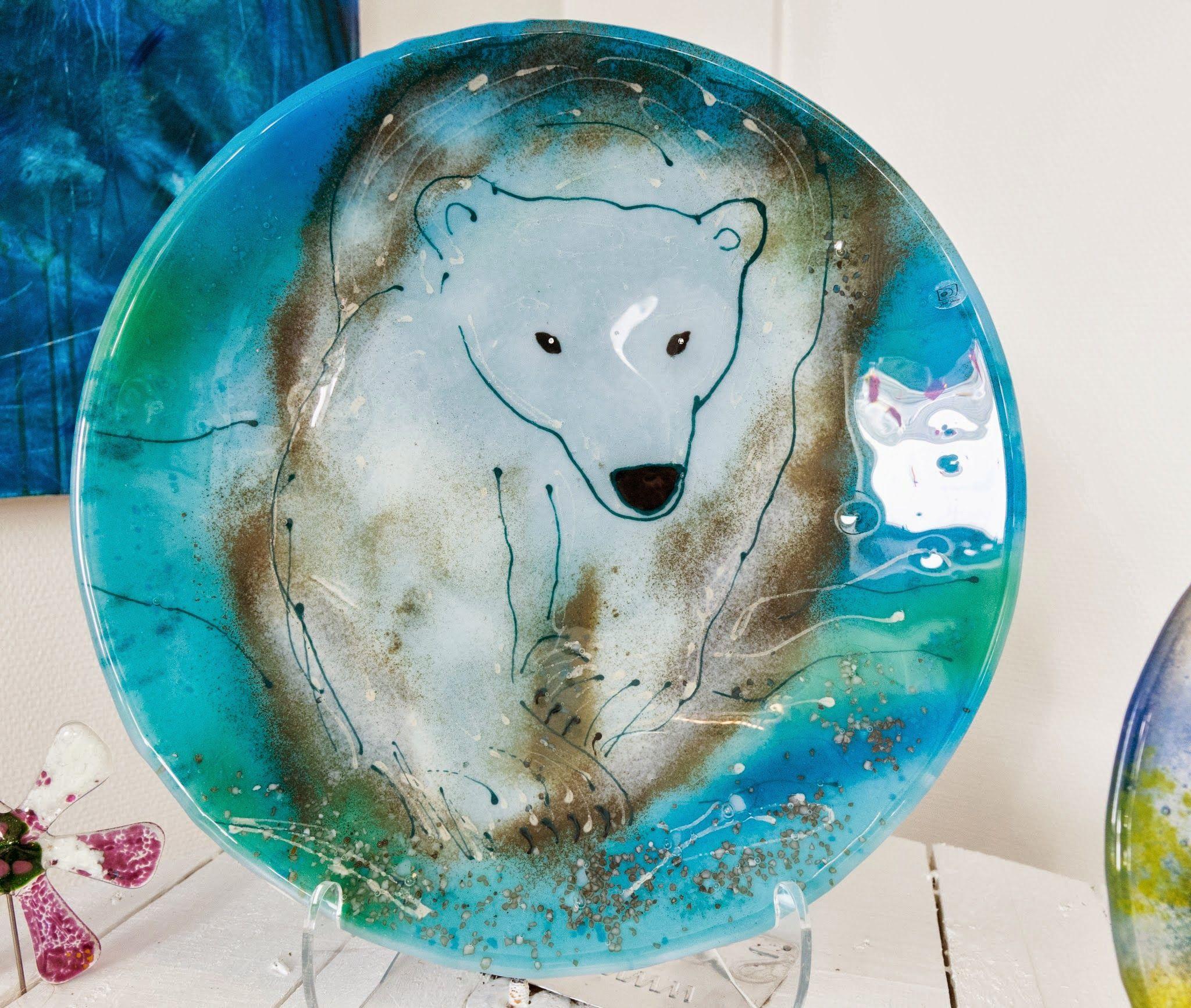 Fused glass - big plate with polar bear - 37 cm