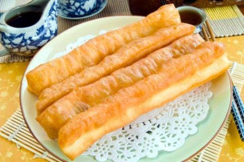 Resep Dan Cara Membuat Cakwe Goreng Renyah Di Luar Empuk Di Dalam Jajan Pinggiran Resep Resep Masakan Resep Masakan Indonesia