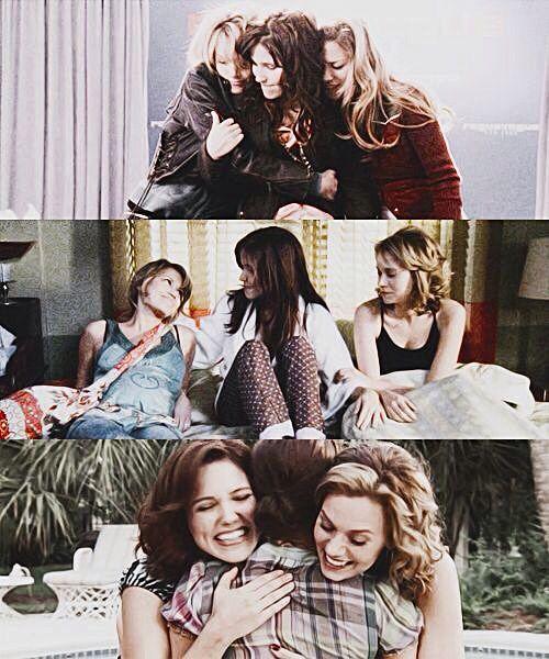 One Tree Hill - Brooke Davis (Sophia Bush) & Haley James Scott (Bethany Joy Lenz) & Peyton Sawyer (Hilarie Burton)