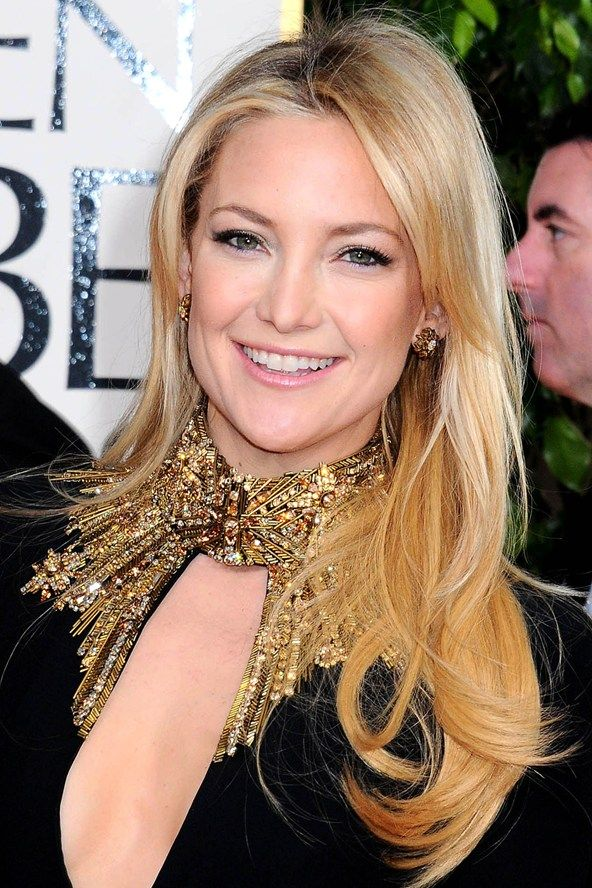 Red Carpet Beauty 2013: Golden Globe Awards, January 2013 - Kate Hudson wore her hair in classic, glamorous waves, paired with feline eye liner and pale pink lips