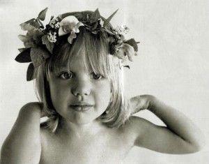 Guess who she is?    Angelia Jolie