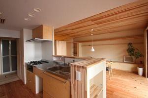 木の優しさを肌で感じるマンションリノベーション - 木の住まい施工事例 | 株式会社シーエッチ建築工房