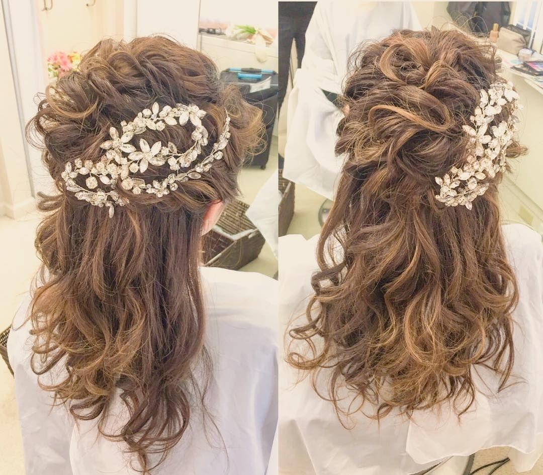 上品で可愛いハーフアップのブライダルヘアカタログ Marry マリー 美髪 ブライダル 髪型 ブライダルヘア