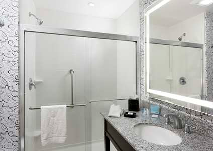 Editor S Building Hampton Inn Washington D C Near White House Designed By Barbara Kenney Bcdg Mclean House Design Framed Bathroom Mirror Bathroom Mirror