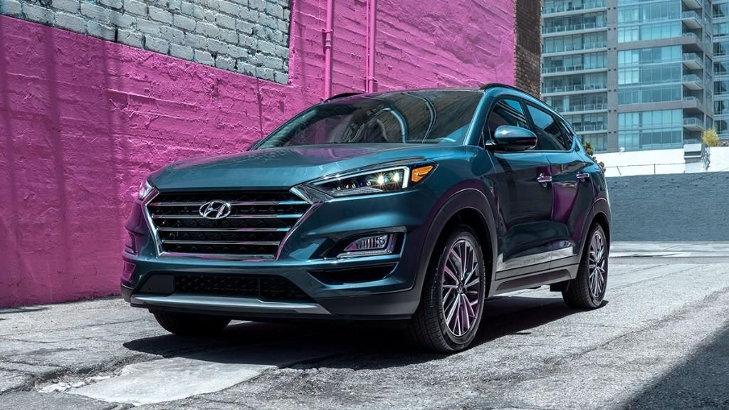 Looking Good While Driving Handled In The Hyundaitucson In 2020 Hyundai Tucson Suv Car Led