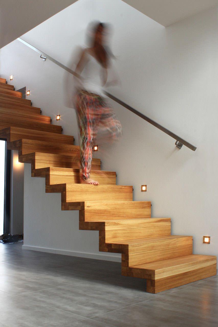 Guida introduttiva 40 idee scale in legno per interni for Programmi per interior design