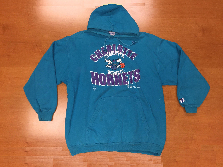 Vintage 1990s Charlotte Hornets The Game Sweatshirt Size XL hoodie crewneck  starter jersey alonzo mourning michael jordan new orleans nba by ... d9cbc133b