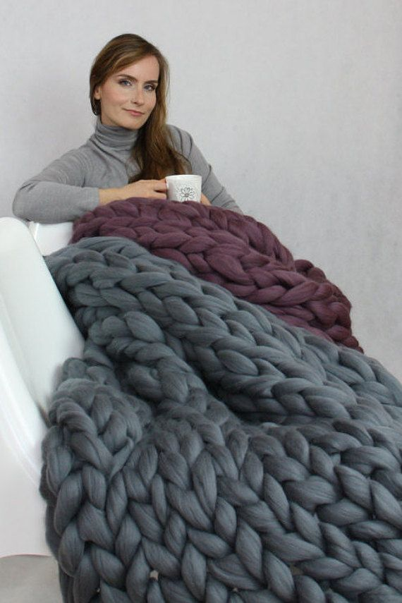 Chunky Knit Blanket Blanket Super Chunky Blanket Giant Knit Blanket Thick Yarn Blanket Bulky Knit Merino Wool Extreme Knitting In 2020 Chunky Knit Blanket Knitted Blankets Large Knit Blanket