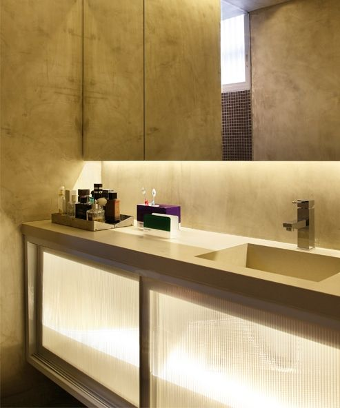 AD House / Studio GT – Guilherme Torres #bathroom #lighting