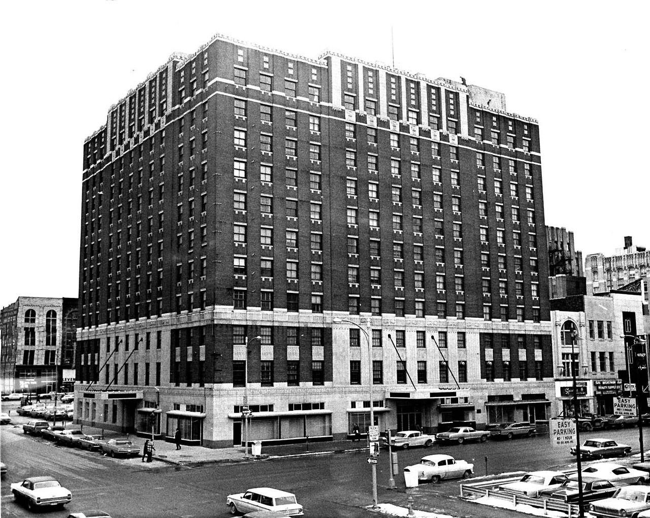 A View Of The Paxton Hotel 1403 Farnam St In Omaha Taken In February 1971 The World Herald Omaha Nebraska Nebraska Omaha