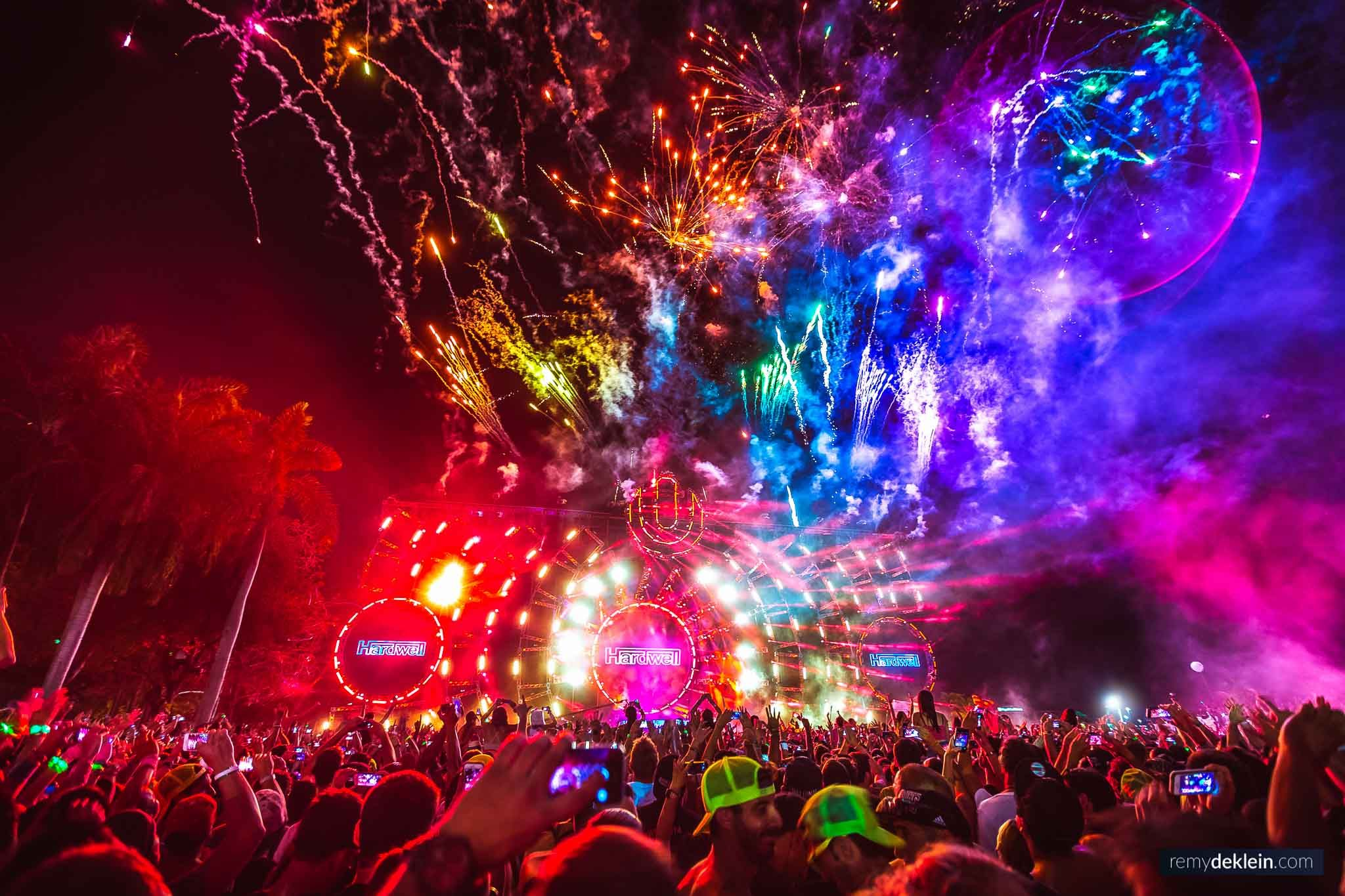 The Photographer Who Captures The Craziest Festival Moments Around