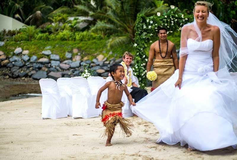 Polynesian disney wedding gifts
