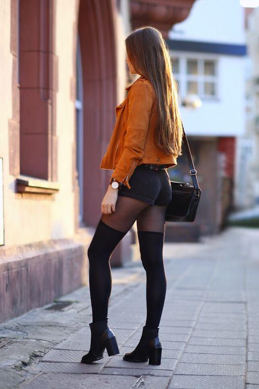 Free young girls pantyhose pics
