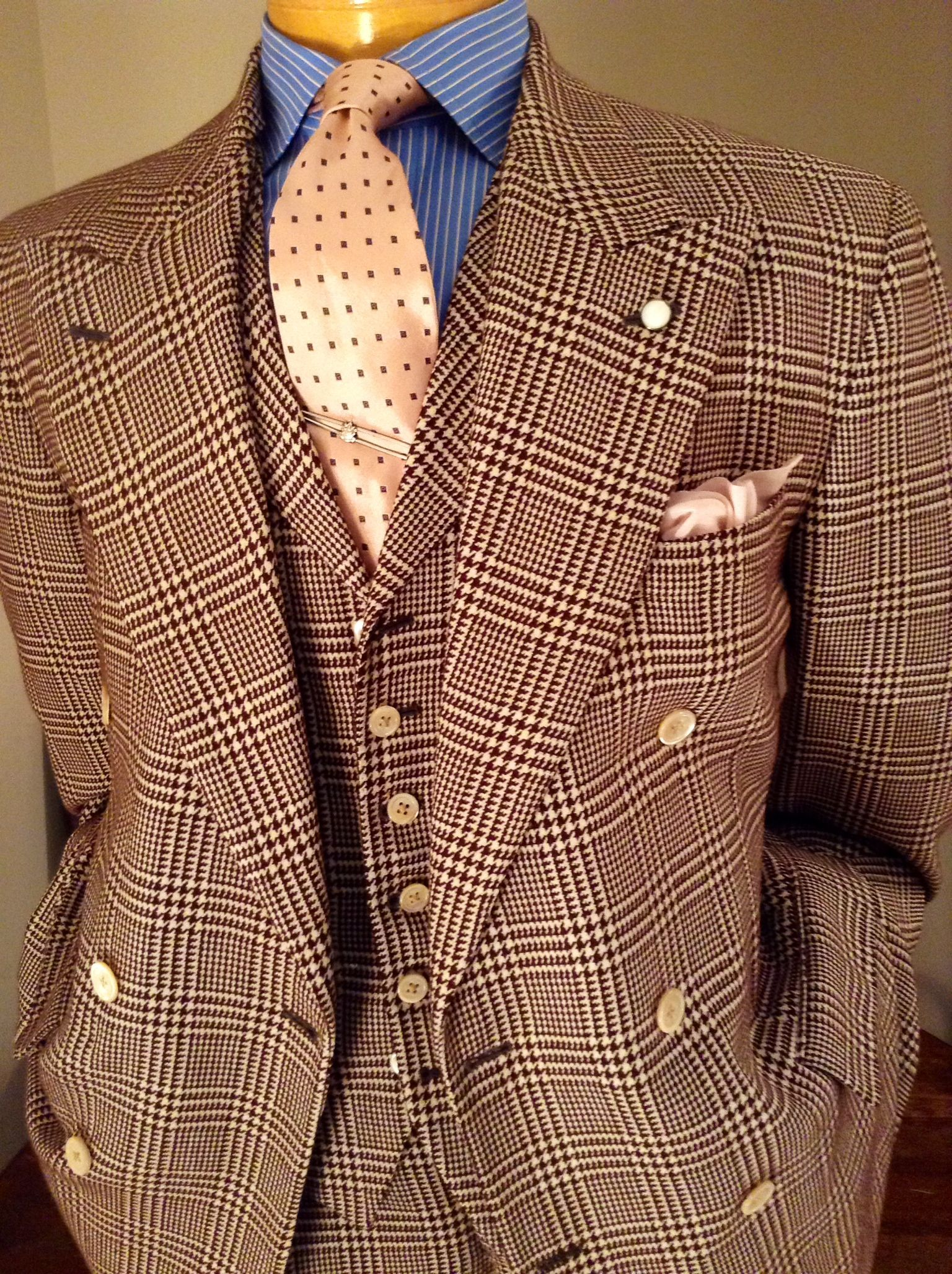 Today on the blog we talk to #JACKSIMPSONCOUTURE about American Classic Menswear - www.lenoeudpapillon.blogspot.com