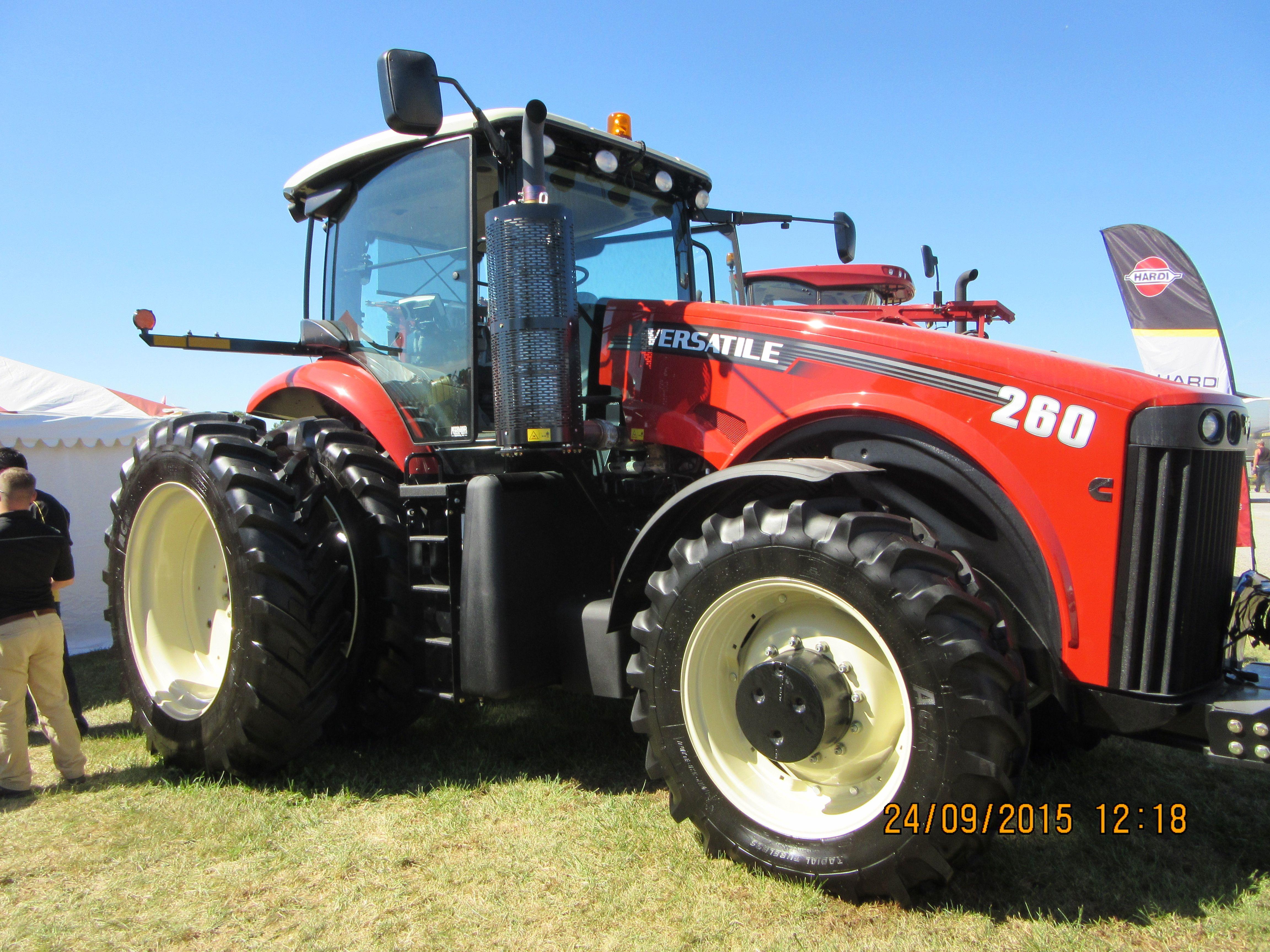 260hp versatile 260 mfwd tractor trekker
