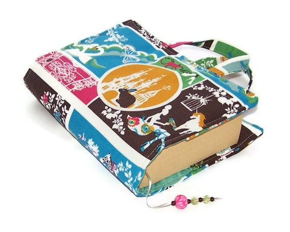 Book cover bag for sale, but it looks super easy to make. | Sewing ...