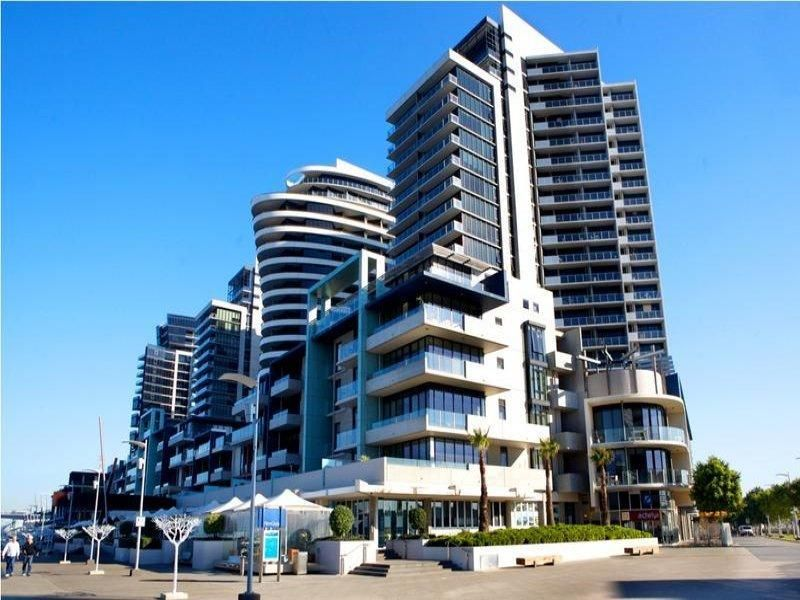 Melbourne Apartments Domain New Quay Docklands Australia Pacific Ocean And The 4 5 Star