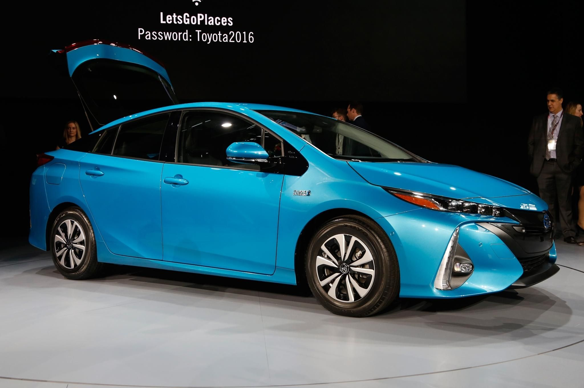 2018 2019 Toyota Prius Release Date Automotive News With Interior Regard To Exterior And Review