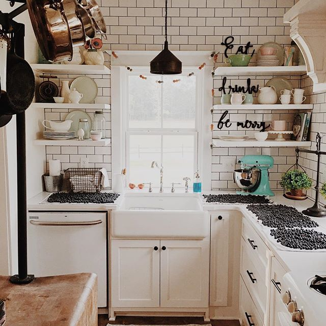 Pin by Luz Serrano on kitchen ideas | Pinterest | Kitchens ... Vintage Small Kitchen Ideas Pin on vintage closet ideas, vintage family room ideas, vintage pantry ideas, vintage kitchen backsplash, vintage kitchen painting ideas, vintage bed ideas, vintage small windows, vintage small kitchen islands, vintage luxury kitchen, vintage living room ideas, vintage small living rooms, vintage kitchen remodeling ideas, vintage cookware ideas, vintage green kitchen ideas, vintage small dining room, vintage kitchen decorating ideas, vintage home ideas, vintage cabinet ideas, vintage shower ideas, vintage kitchen lighting ideas,