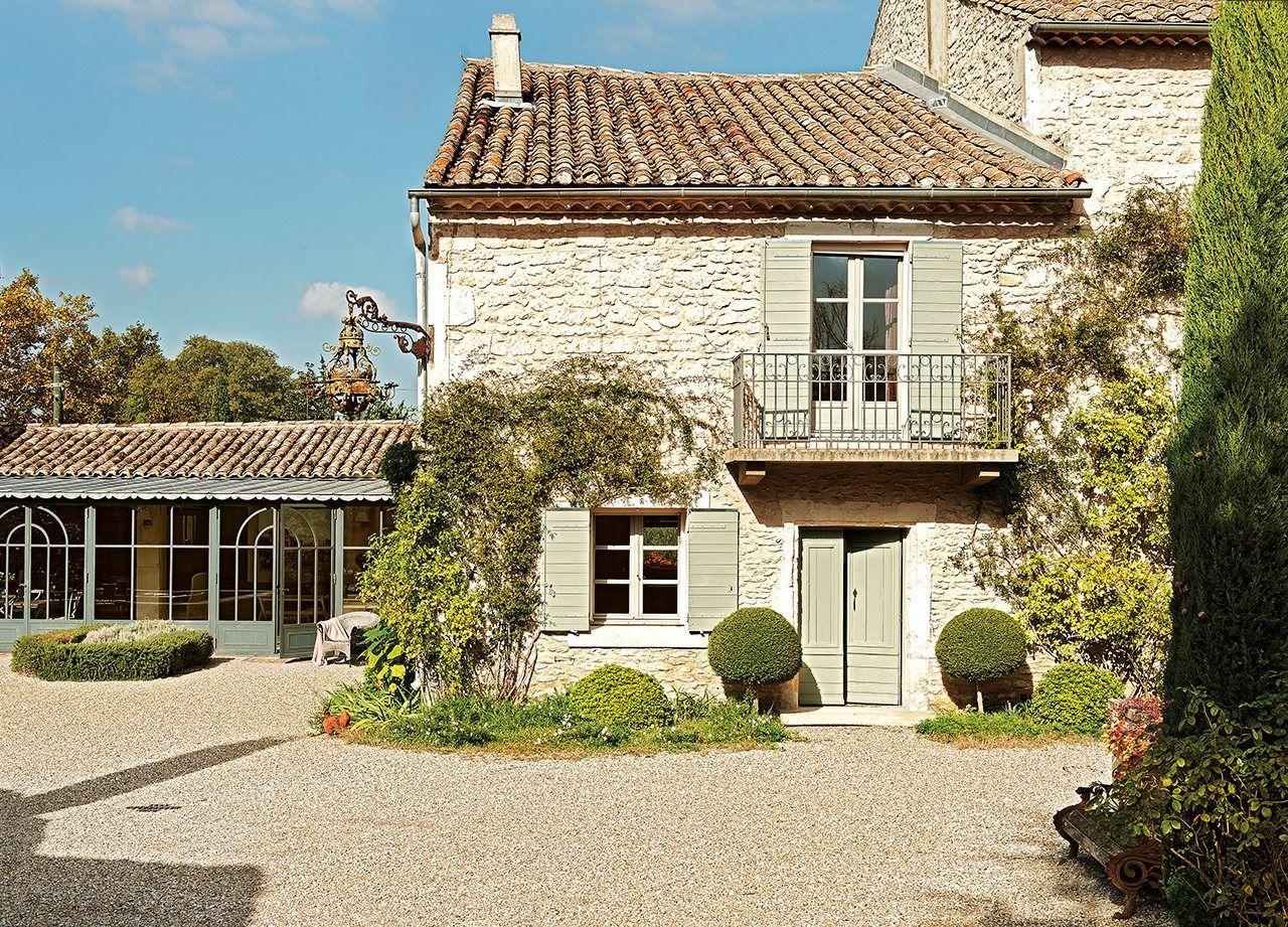 Una vieja casa de hu spedes en la provenza for Villas francesas