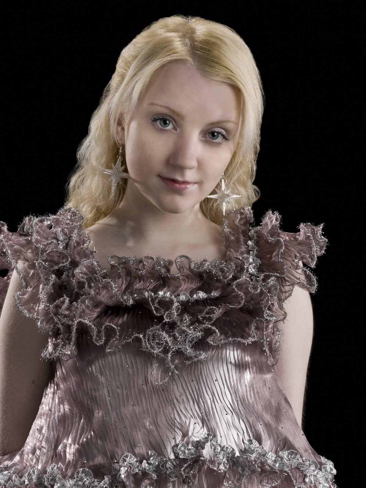 Luna Lovegood Slughorn S Christmas Party Dress And Earrings Luna Lovegood Dress Harry Potter Luna Lovegood Luna Lovegood