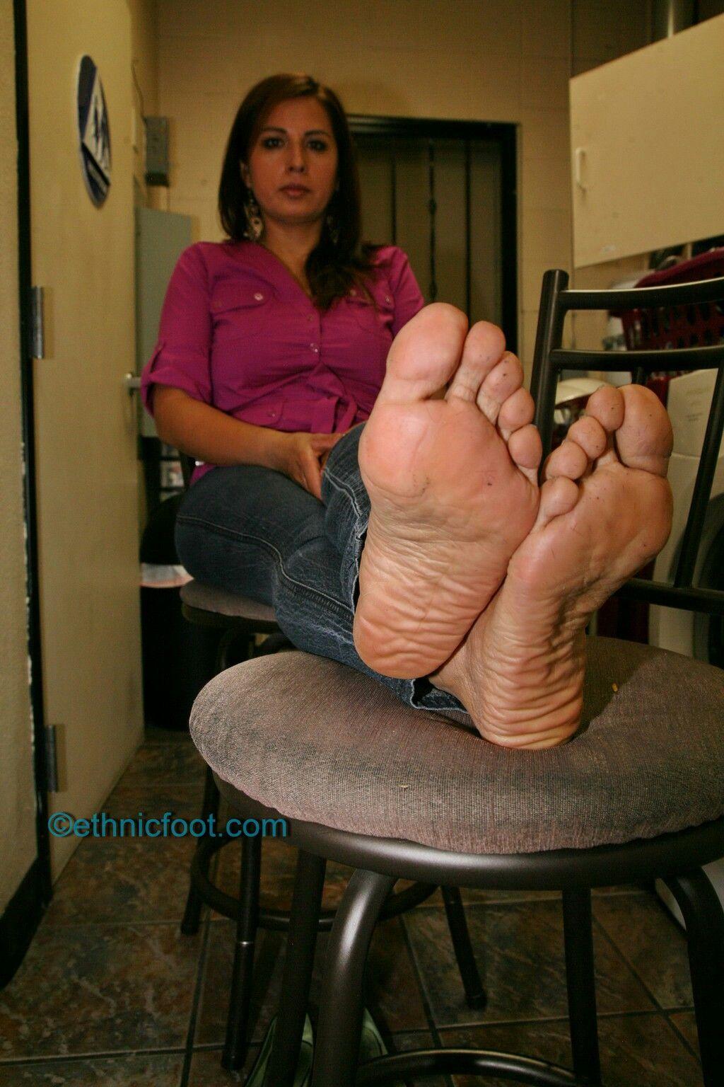 pinpablo aciar on mature feet (pies de maduras) | pinterest | curves