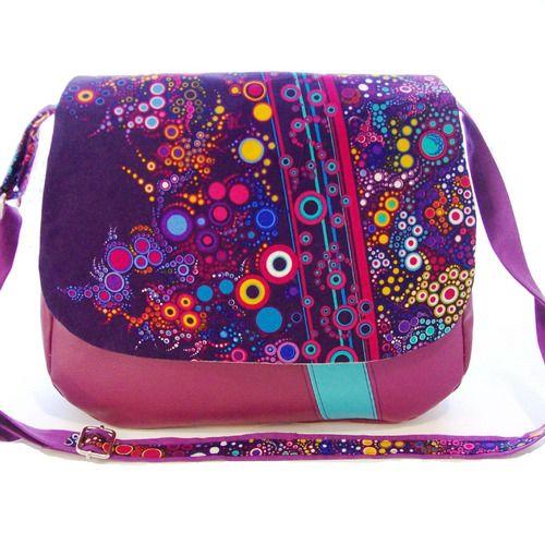 98ab6be38d Besace violet et bulles multicolores , sac bandouliere en simili cuir et  tissu impirmé effervescence ,